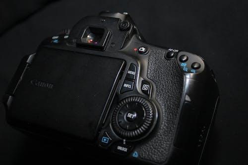Free stock photo of black camera, canon 60d, canoncamera