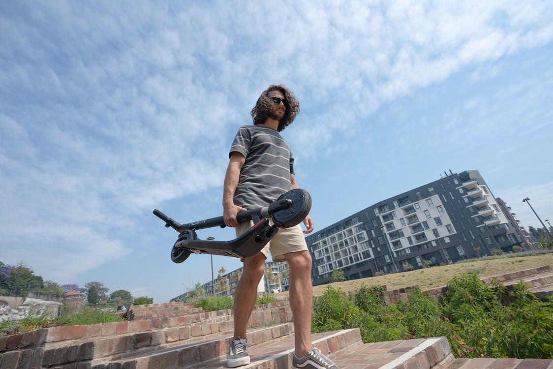Fotos de stock gratuitas de al aire libre, bajando, caminando