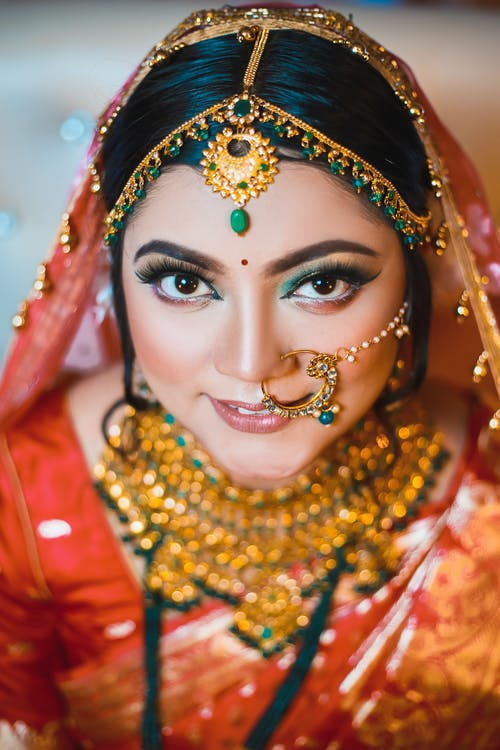 Free stock photo of beautiful bride, golden ornaments, saree