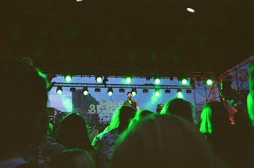 Fotos de stock gratuitas de 35 mm, actuación, actuación en vivo