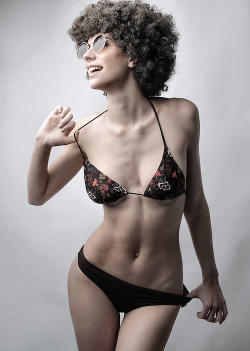 Kobieta W Czarnym Bikini