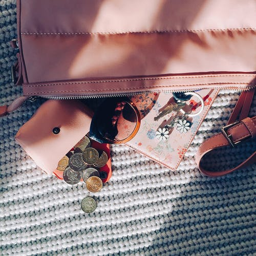 Feminine bag with purse and accessories