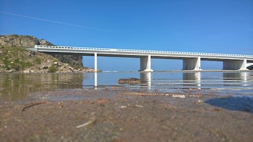 Gratis arkivbilde med bro, strand