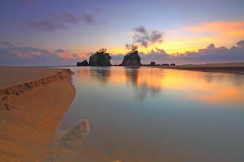 Immagine gratuita di acqua, alba, calma, calmo