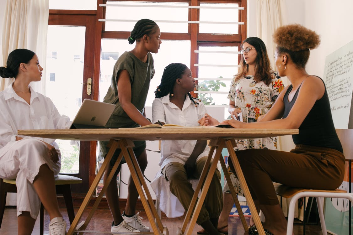 Frauen Beim Treffen