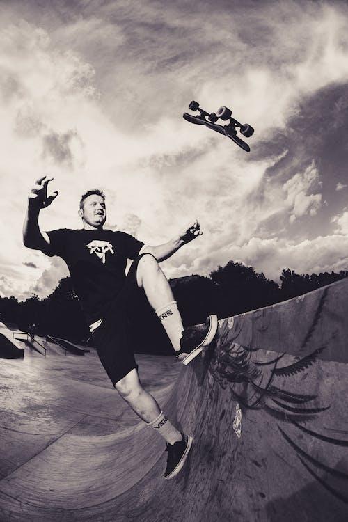 Immagine gratuita di bianco e nero, calcestruzzo, fare skateboard, sk8
