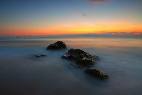 かすんでいる, ぼんやりした, 地平線, 夜明けの無料の写真素材