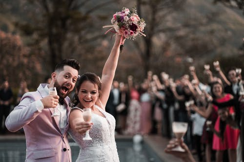 Foto stok gratis baru menikah, berbayang, bersukacita, buket pengantin