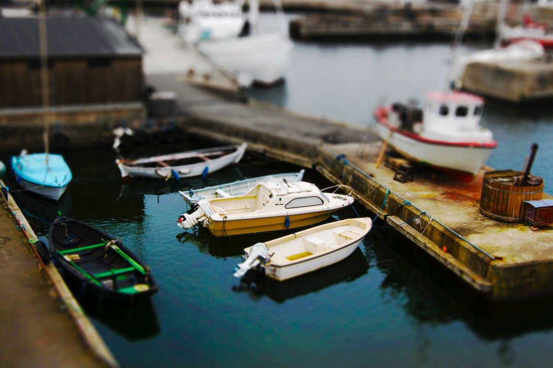 čluny, dokování, doprava