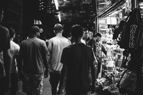 Foto d'estoc gratuïta de blanc i negre, gent, mercat, multitud