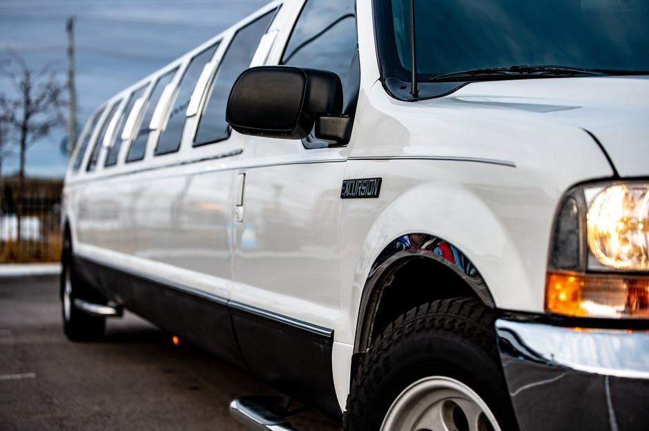 7 Things To Consider Before Hiring A Limo Rental Company