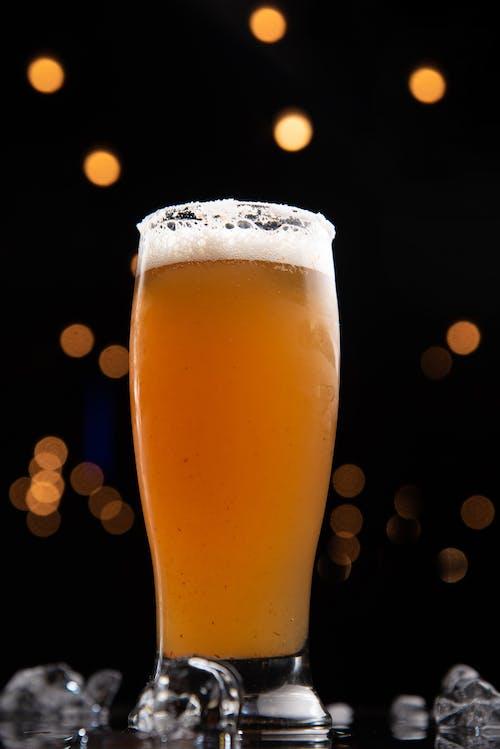 Gratis stockfoto met alcoholisch drankje, alcoholische drank, amber, bier