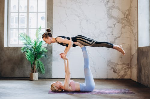 Gratis lagerfoto af Acro-yoga, afslapning, aktivt slid