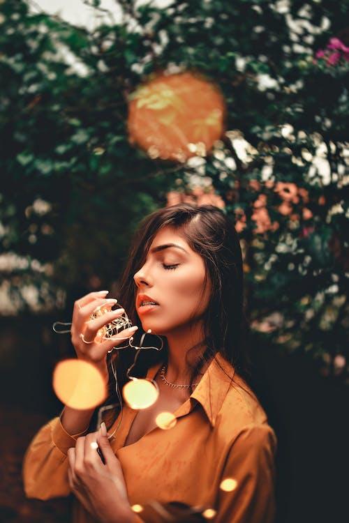 Foto profissional grátis de ao ar livre, atraente, beleza, bokeh