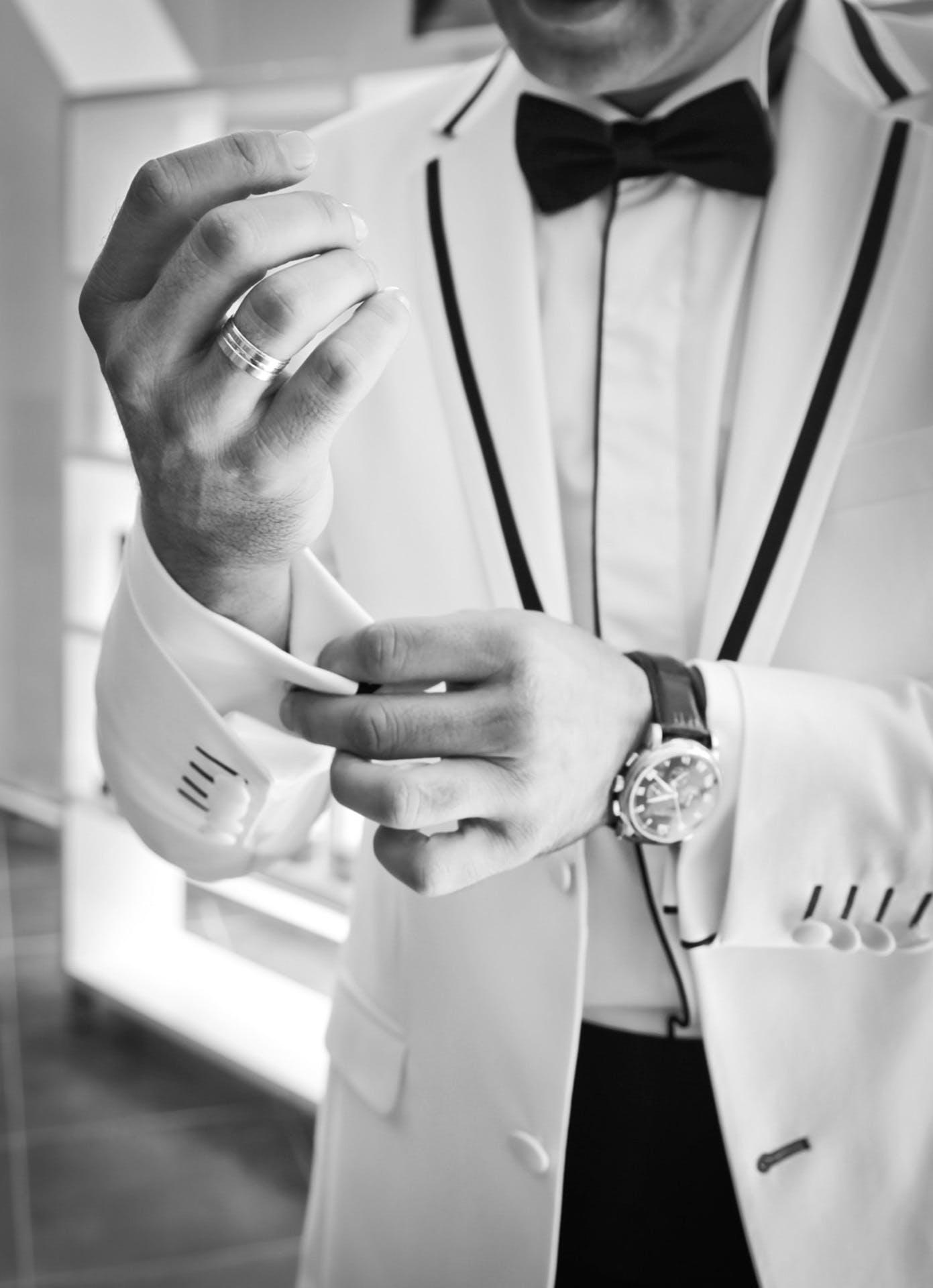 Kostenloses Stock Foto zu anzug, formal, geschäftsmann, hände