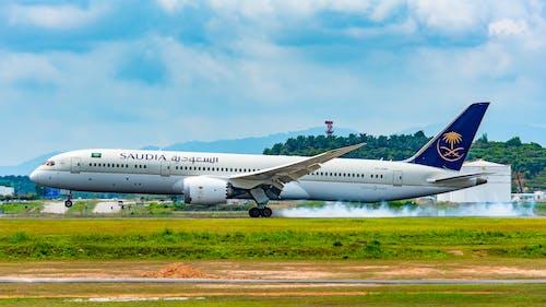 Fotos de stock gratuitas de aterrizaje de avión, boeing 787, klia