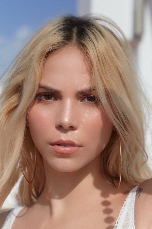 Gratis stockfoto met aantrekkelijk mooi, aantrekkingskracht, blond haar, blonde haren