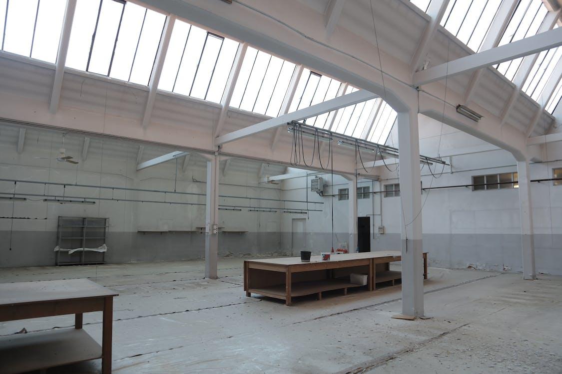 Modernes Interieur Des Geräumigen Leeren Lagers