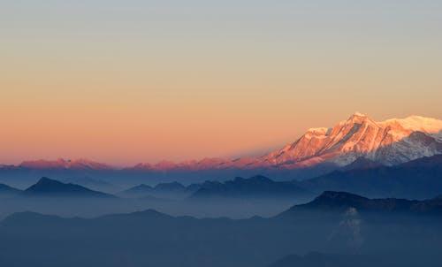 Fotobanka sbezplatnými fotkami na tému Himaláje, hmla, hora, hory