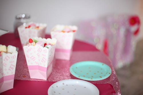 Party sweets in paper buckets