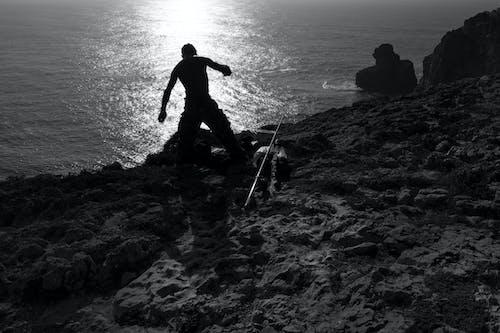 おとこ, 漁師, 白黒, 釣りの無料の写真素材