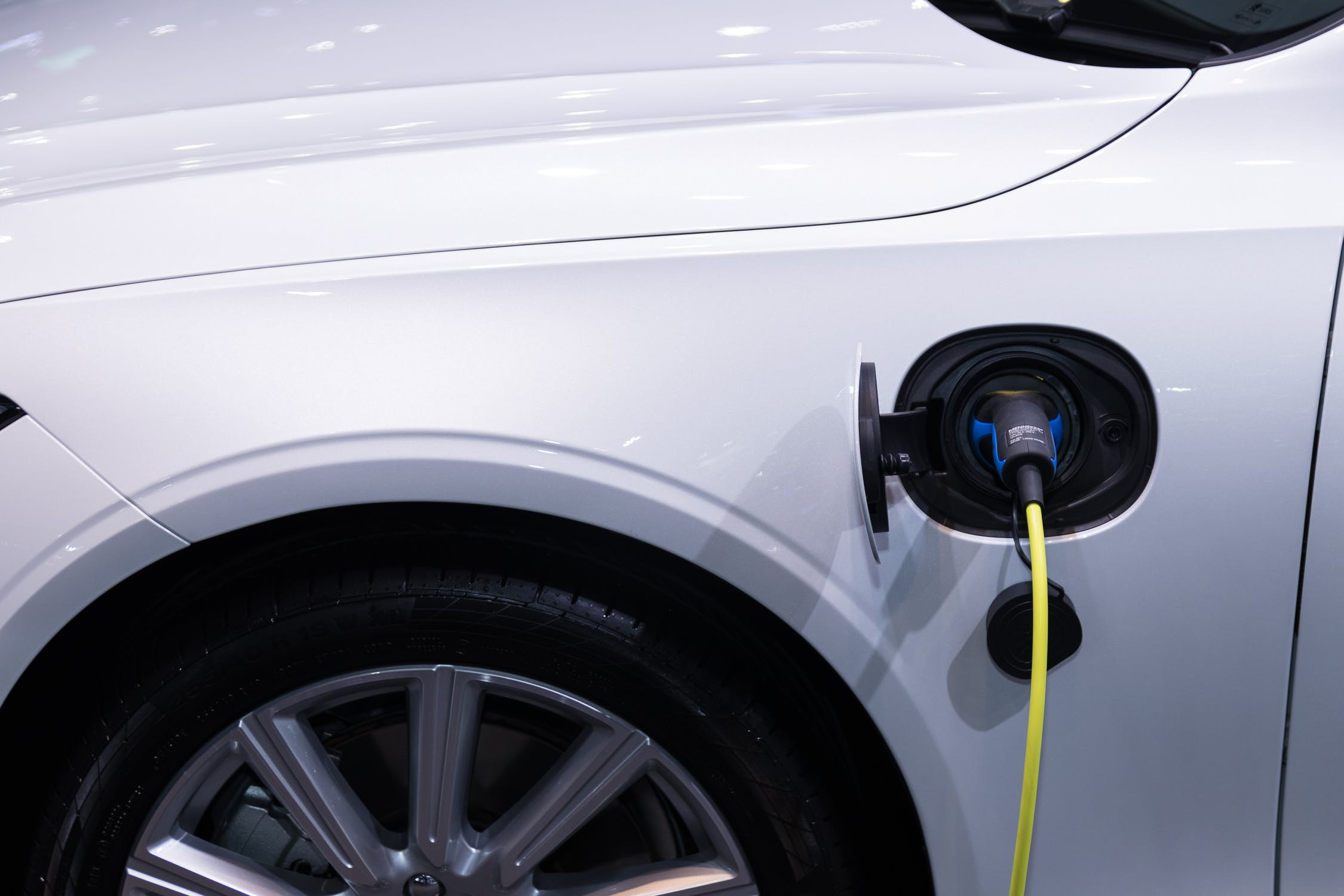 Bipartisan Bill Could Help Boost Florida's Growing EV Market