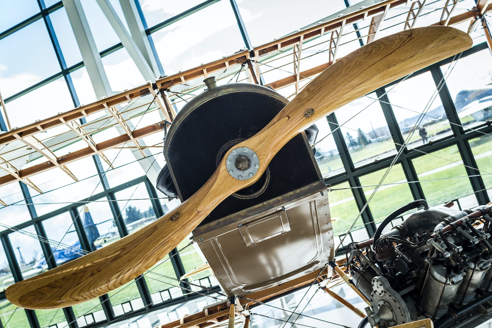 a history of the aircraft propeller Hartzell propeller places a great emphasis on innovation and engineering in order to create aircraft propeller products that deliver maximum performance for everything from light aircraft up to regional airliners.