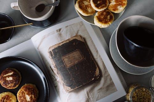 Darmowe zdjęcie z galerii z czasopismo, fotografia kulinarna, jedzenie, książka