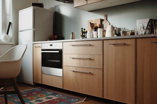 Бесплатное стоковое фото с бытовой прибор, в помещении, деревянный, дизайн интерьера