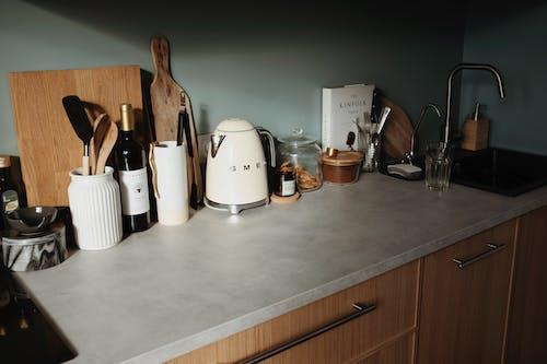 Fotos de stock gratuitas de batería de cocina, botella, casa, cocina