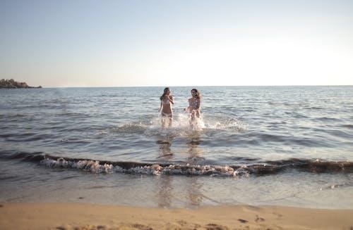 Безкоштовне стокове фото на тему «берег, берег моря, веселий»