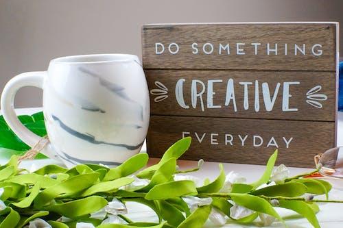 Ilmainen kuvapankkikuva tunnisteilla kahvimuki, luova, taiteilija