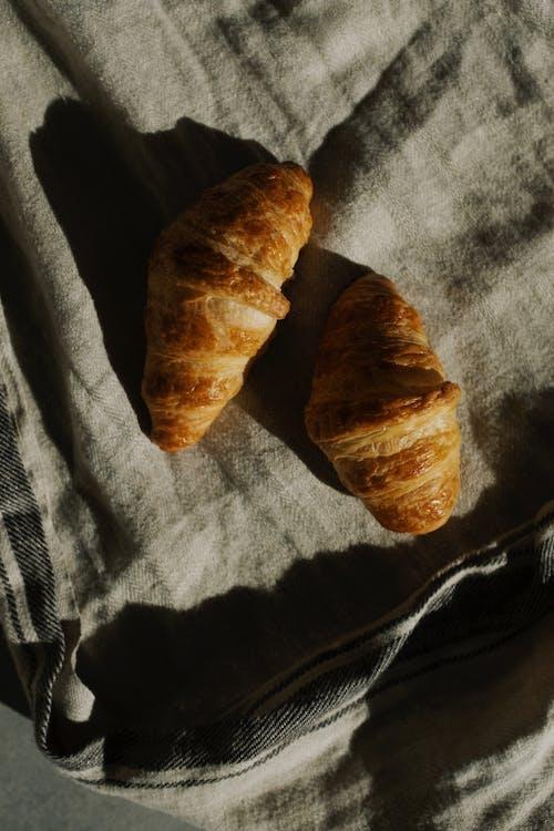 Ilmainen kuvapankkikuva tunnisteilla croissantit, herkullista, leipä, leivonnainen