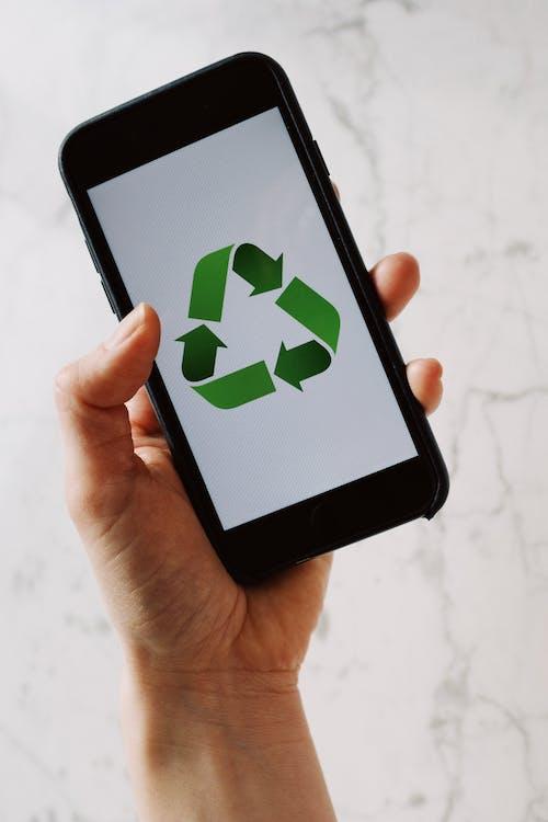 Бесплатное стоковое фото с мобильный телефон, перерабатывать, портативный, смартфон