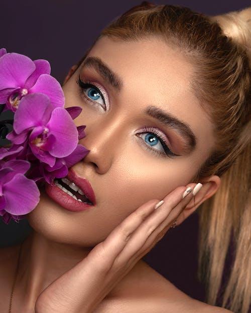 アイメイク, グラマー, ピンクの口紅, フラワーズの無料の写真素材