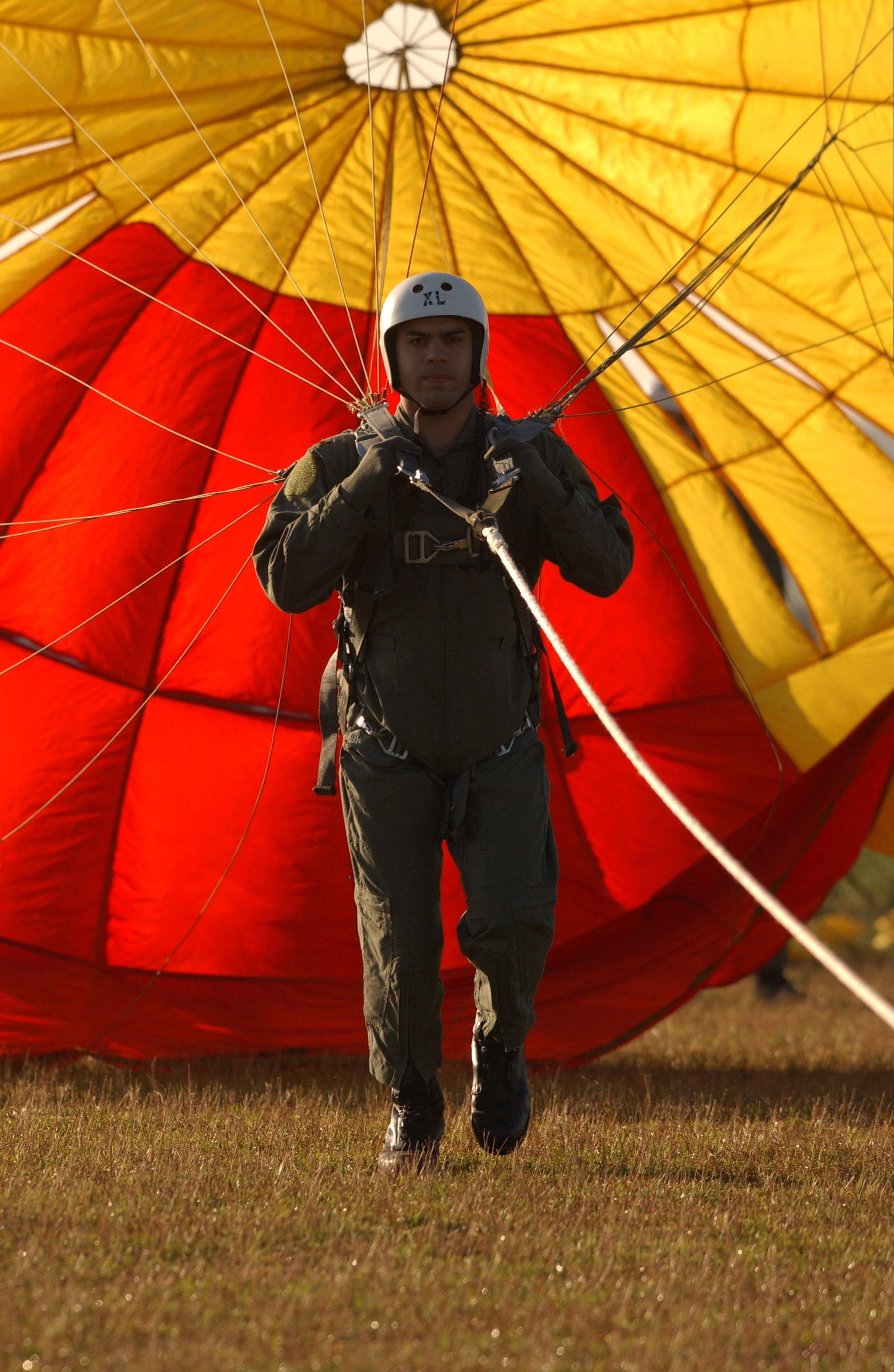 군대, 낙하산, 낙하산 조종사, 낙하산 타는 사람의 무료 스톡 사진