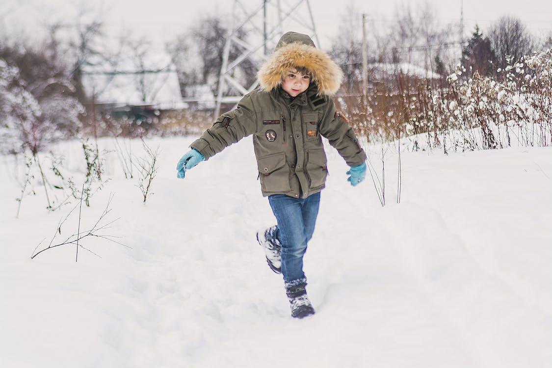 bílá, chladné počasí, chlapec