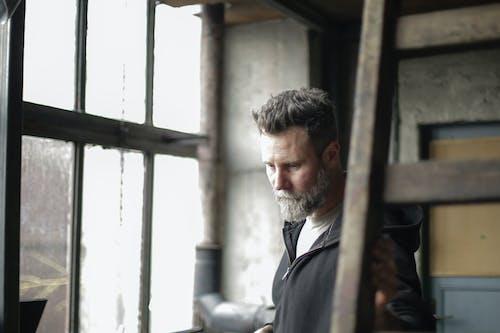 Fotos de stock gratuitas de abandonado, barba abundante, barba poblada