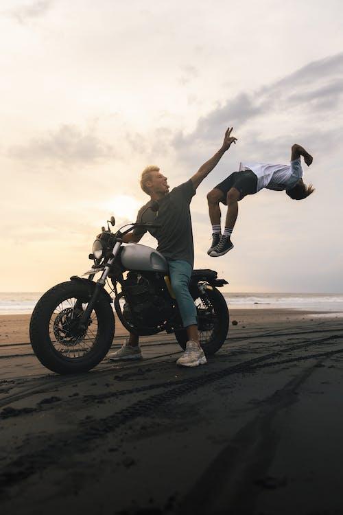 Immagine gratuita di avventura, bagnasciuga, bali, bicicletta