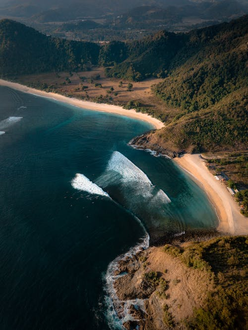 Gratis stockfoto met berg, bird's eye view, drone, drone vliegtuig
