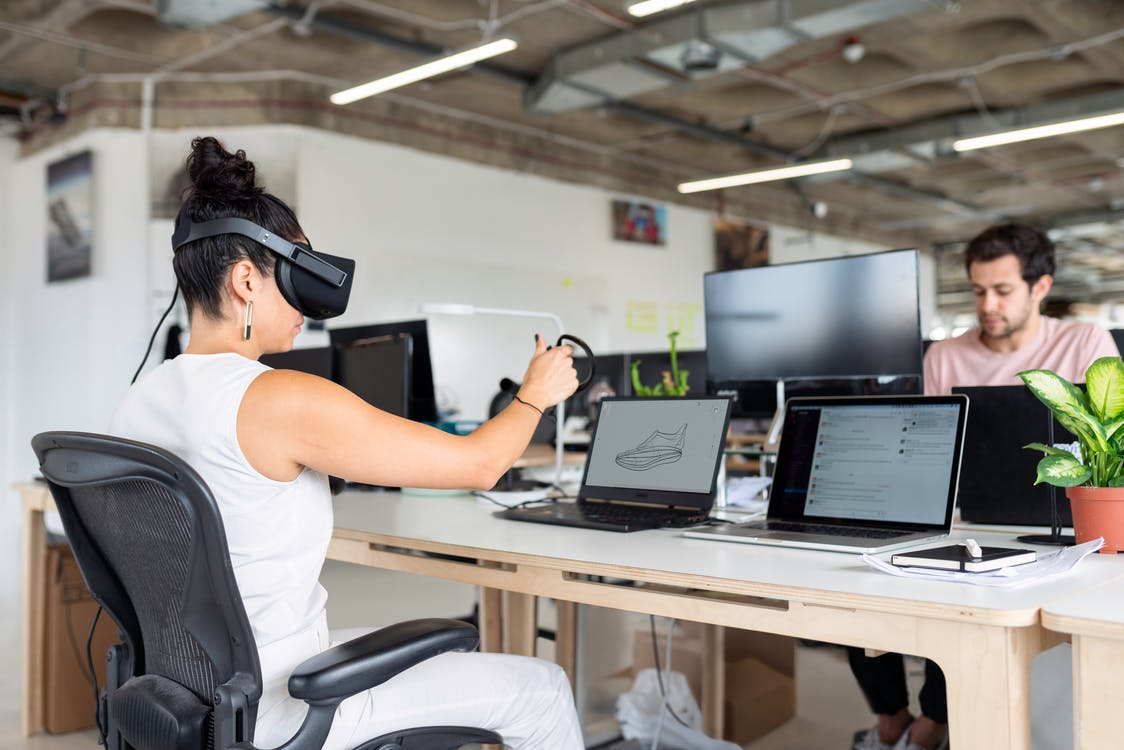 Fotos de stock gratuitas de 3d, adulto, casco de realidad virtual