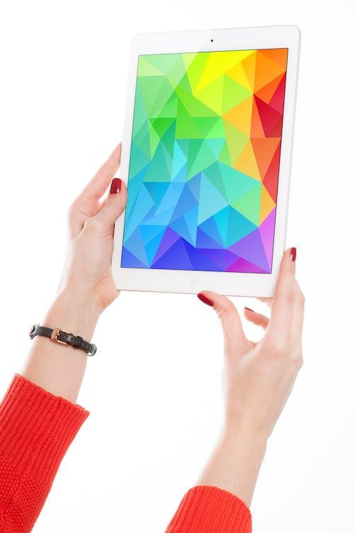 Darmowe zdjęcie z galerii z apple, ekran dotykowy, gadżet, ipad