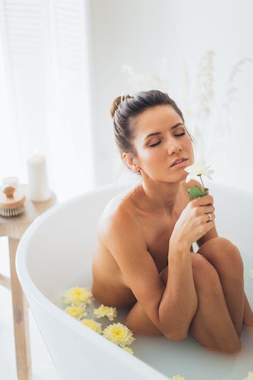 Gratis stockfoto met aromatherapie, bad, badderen