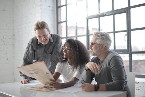 คลังภาพถ่ายฟรี ของ กระดาษ, กลุ่ม, การทำงานเป็นทีม