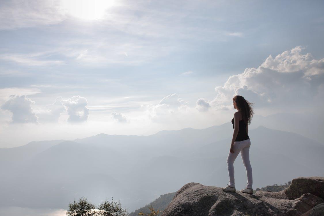 Kostenloses Stock Foto zu abenteuer, berg, blick in die natur
