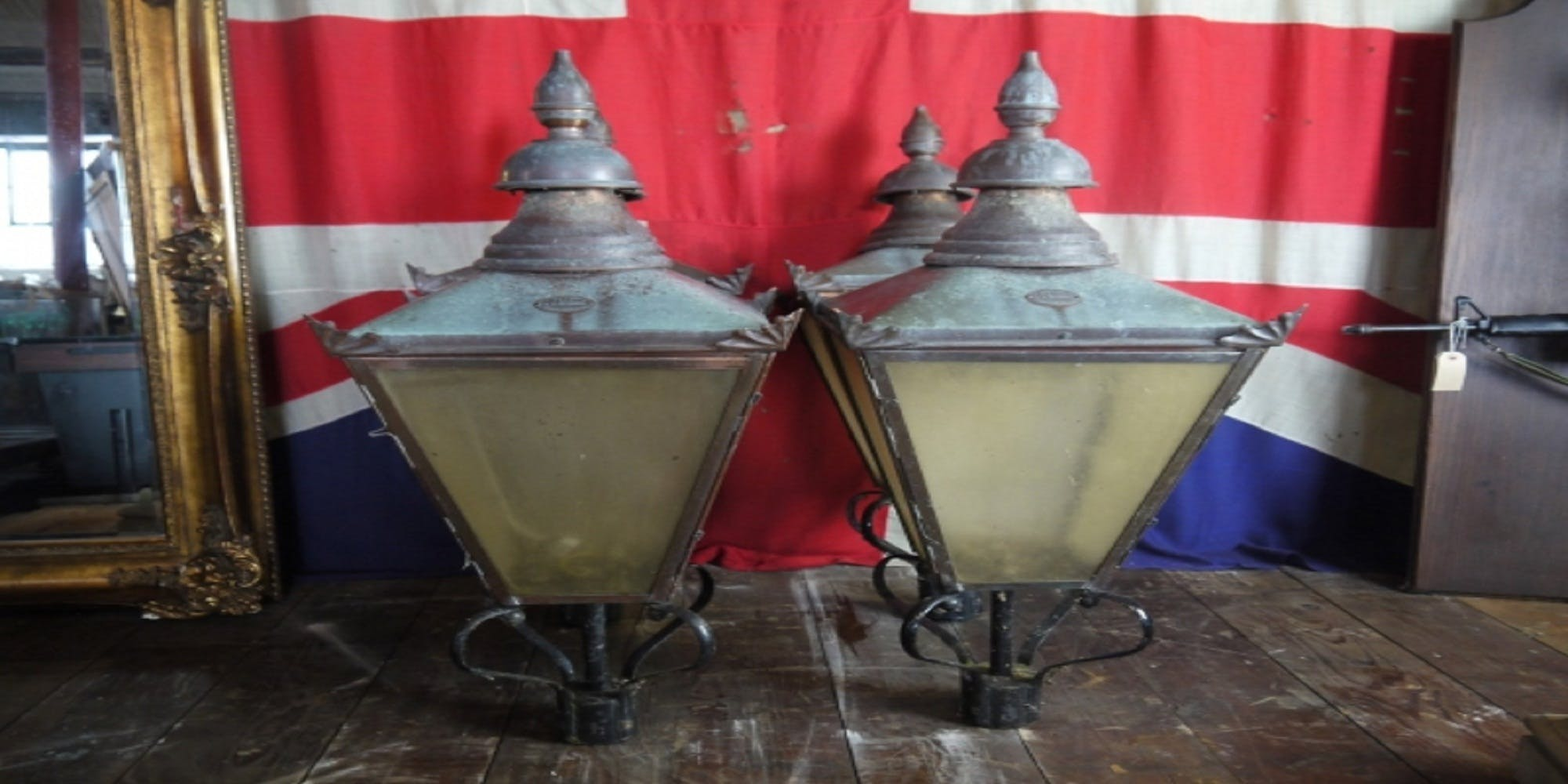 Free stock photo of Antique DW Windsor Copper Lamp Post Lamp Top Lante