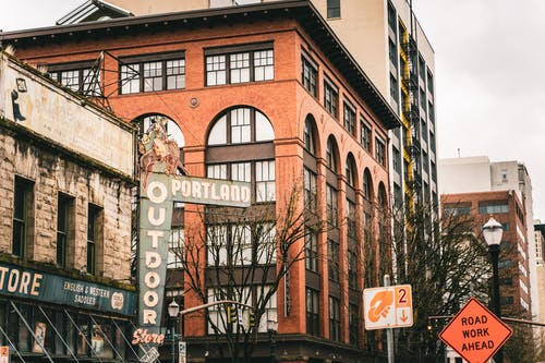 Fotobanka sbezplatnými fotkami na tému akcia, architektúra, budova, centrum mesta
