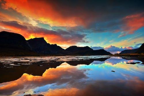 Foto profissional grátis de água, água azul turquesa, arquipélago de lofoten, ártico