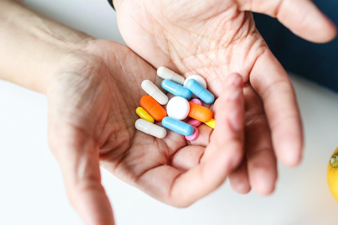 Gratis lagerfoto af behandling, farmaceutisk, hænder