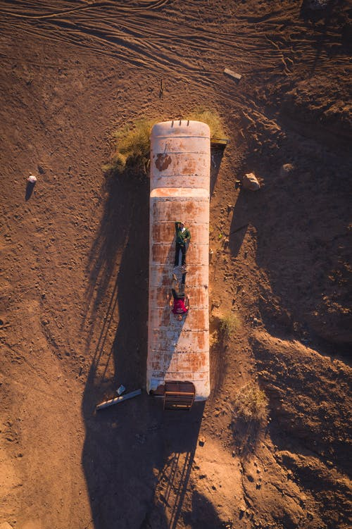 Abandoned wagon in desert land